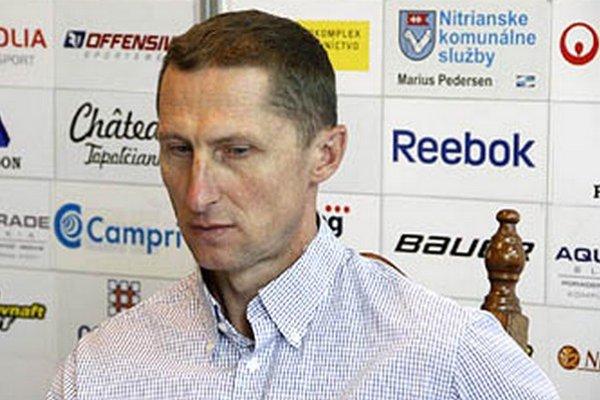 """""""Nechceli by sme skončiť piati, to ale nechce ani Zvolen, Poprad a Banská Bystrica,"""" hovorí tréner Antonín Stavjaňa."""