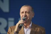Recep Tayyip Erdogan opäť útočil na Emmanuela Macrona.