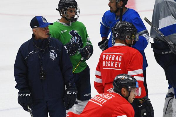 Tréner Peter Mikula na začiatku letnej prípravy HK Poprad.