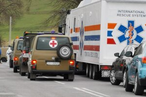 Zdravotníci a vojaci pomohli pri prvej vlne ochorenia Covid-19 v Žehre.