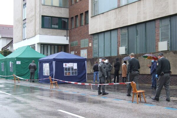 Zbor väzenskej a justičnej stráže testoval už dnes. Odberné miesta zriadil pri ústave na výkon väzby.