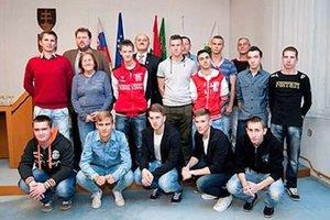 Futbalisti Dolných Salíb sa zišli po úspešnej jeseni na obecnom úrade.