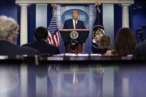 Na otázky novinárov prezident odmietol odpovedať.