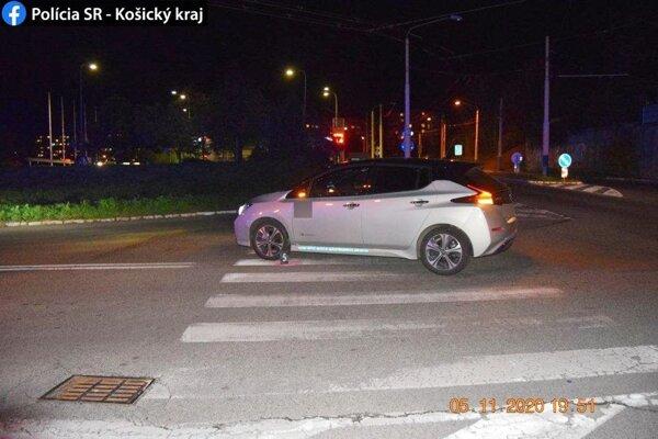 Nehoda sa stala v smere od podjazdu na Triedu L. Svobodu na Maurerovu ulicu.
