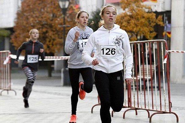 Kategóriu mladších žiačok vyhrala Kristína Majzlíková.