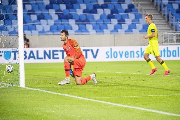 Dominik Greif v zápase Slovensko - Česko, Liga národov UEFA.