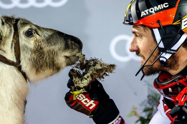 Rakúšan Marcel Hirscher so sobom.