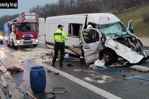 Nehoda, pri ktorej ráno zomrela spolujazdkyňa.