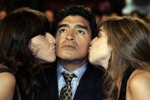 Diego Maradona na archívnej fotografii z roku 2008.