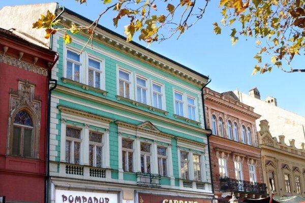 Maďarský konzulát potvrdil kúpu budovy pre diplomatov. Informoval, že reštauráciu zachová.