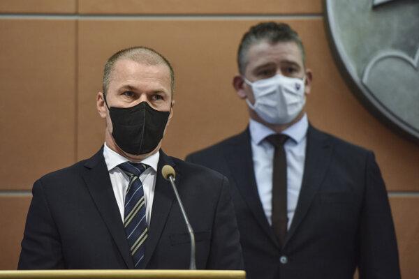 Minister vnútra Roman Mikulec zatiaľ neoznámil, či Petra Kovaříka vymenuje za šéfa polície.
