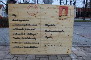 Pohľadnicová lavička v Bojniciach.