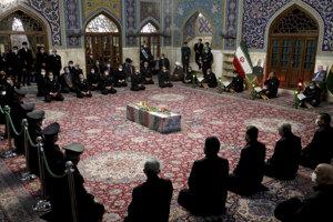 Pohreb iránskeho vedca Mohsena Fachrizadeha.