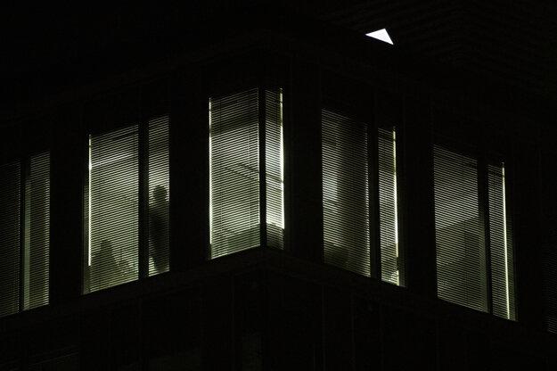 Polícia v budove Penty.