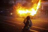 Na proteste v Paríži proti policajnej brutalite vypuklo násilie