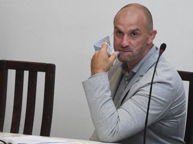 Norbert Bödör je aktuálne väzobne stíhaný a obvinený vo viacerých závažných kauzách.