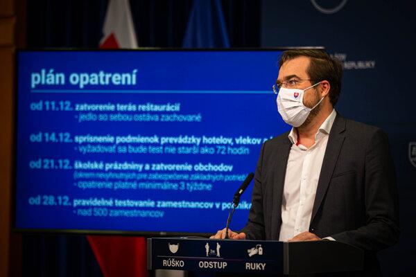 Minister zdravotníctva oznámil nové opatrenia.