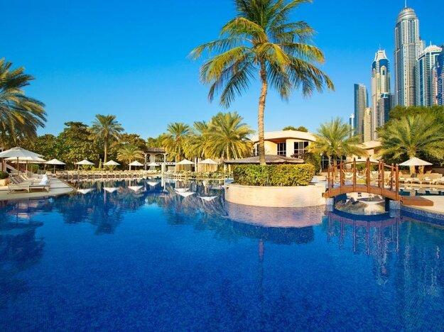 Metropolitan Hotel 4*