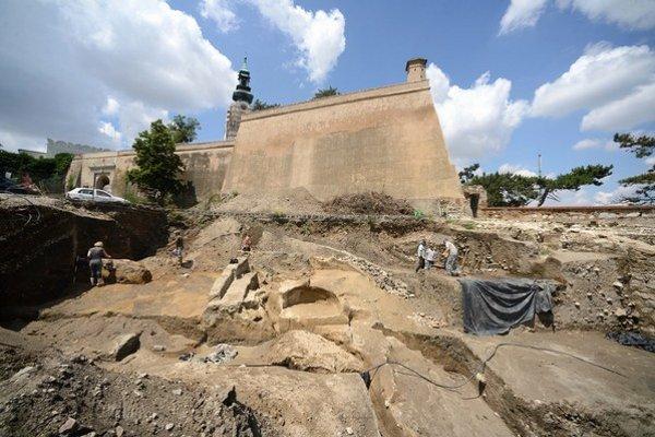 Archeologické nálezisko na hradnom kopci v Nitre.