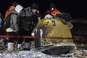 Kapsula sondy Čchang-e 5 po návrate na Zem v oblasti Siziwang v čínskej provincii Vnútorné Mongolsko.