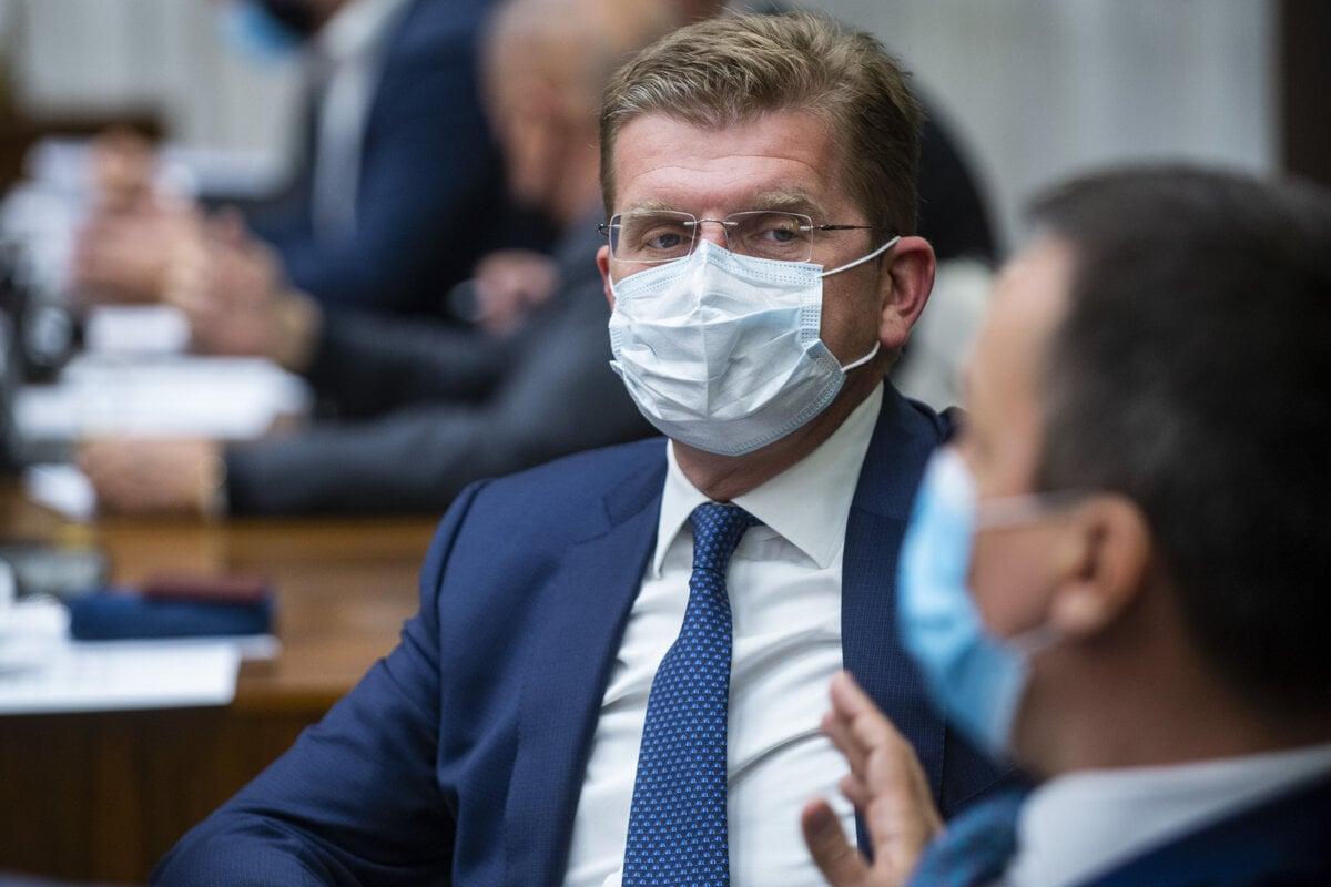 Peter Žiga prišiel vypovedať, tvrdenia Jankovskej odmieta - SME