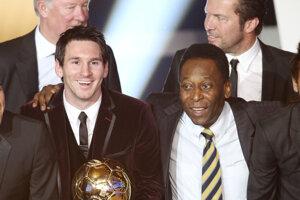 Lionel Messi a Pelé na spoločnej fotografii z roku 2012.