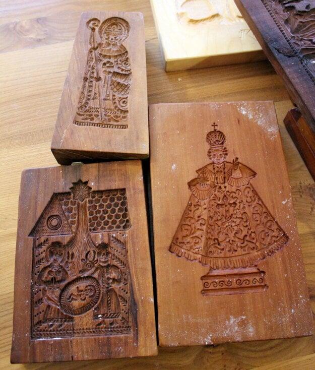 Tradičné drevené perníkové formy