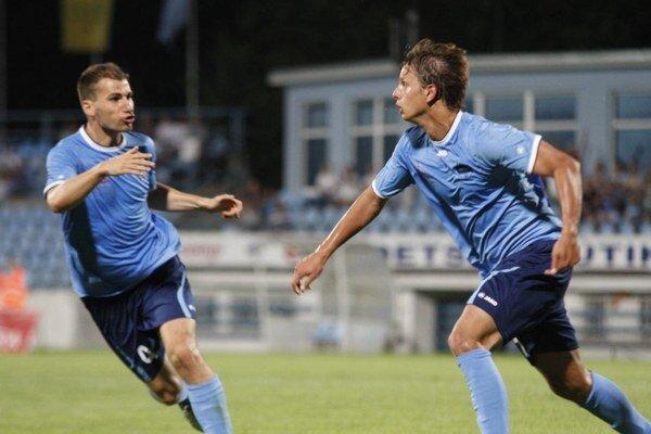 Poisťovací druhý gól strelil Matúš Paukner (vpravo) po nádhernom sóle cez štvoricu hráčov súpera.