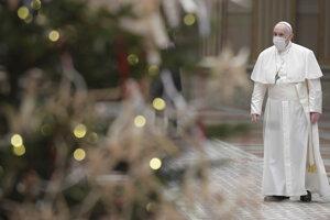 Z dôvodu pandémie pápež František výnimočne vystúpil s príhovorom vo vnútri Apoštolského paláca.