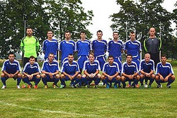 Futbalisti Vrábeľ v nedeľu vyhrali turnaj v Podlužanoch.