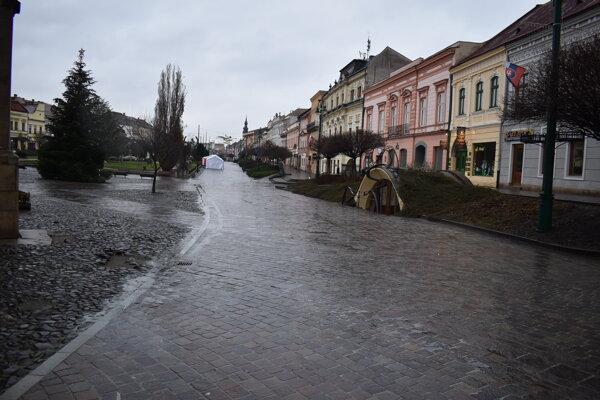 Pusté centrum Prešova.