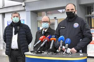 Situácia v Košiciach je kritická, podľa primátora i zdravotníkov môže pomôcť masívne testovanie.