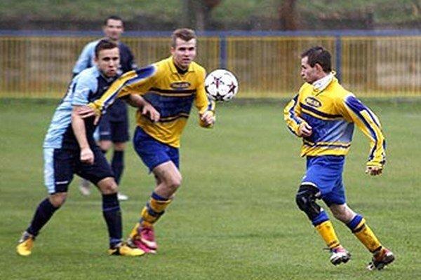 Novú piatu ligu Stred budú hrať aj futbalisti Lapáša a Zbehov.