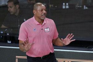 Tréner Doc Rivers.
