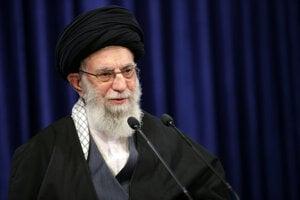 Najvyšší iránsky vodca ajatolláh Alí Chameneí.