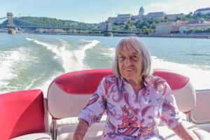Ágnes Keleti počas vyhliadkovej plavby na Dunaji