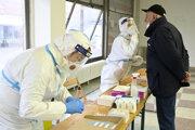 V meste Košice a okresoch Nitra a Púchov pokračuje plošné testovanie tretím dňom.