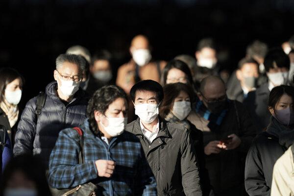 Japonsko momentálne patrí ku krajinám, ktoré zápasia s nárastom koronavírusových infekcií.