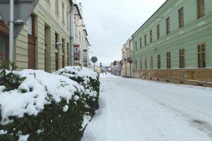 Vojenská ulica v Leviciach.