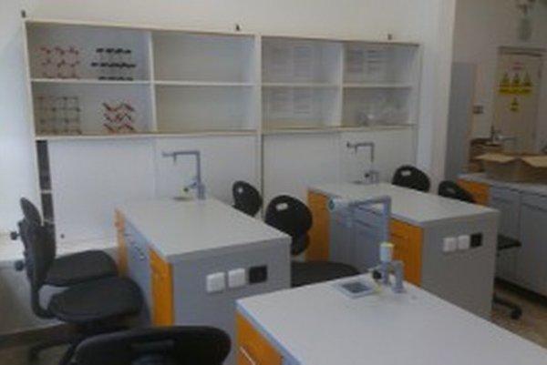 Učebňa v jednej zo škôl, ktoré sú zahrnuté v projekte.