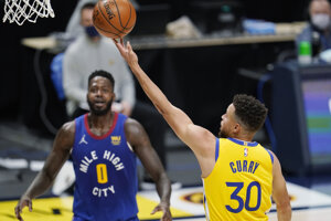Stephen Curry (Golden State Warriors) v nočnom zápase NBA.
