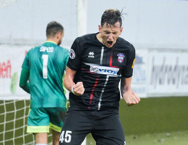 Filip Balaj je najžiadanejším futbalistom (nielen) v regióne.