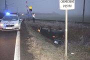 Nehoda sa stala pri železničnom priecestí medzi Kalnou nad Hronom a Veľkým Ďurom.