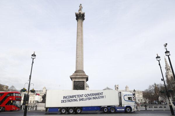 Kamióny rybárskych spoločnostní protestovali v Londýne.