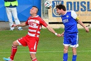 Šaľa nestrelila gól v treťom domácom zápase v rade. Vpravo kapitán Daniel Rehák.