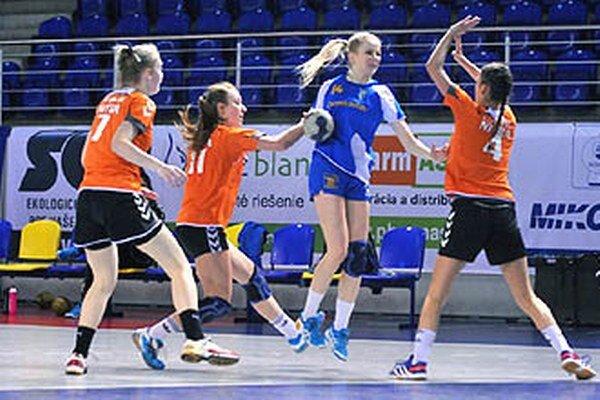 Staršie dorastenky Michaloviec porazili UDHK Nitra a v predstihu si zabezpečili majstrovský titul.