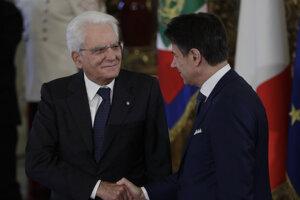 Taliansky prezident Sergio Mattarella a premiér Giuseppe Conte.