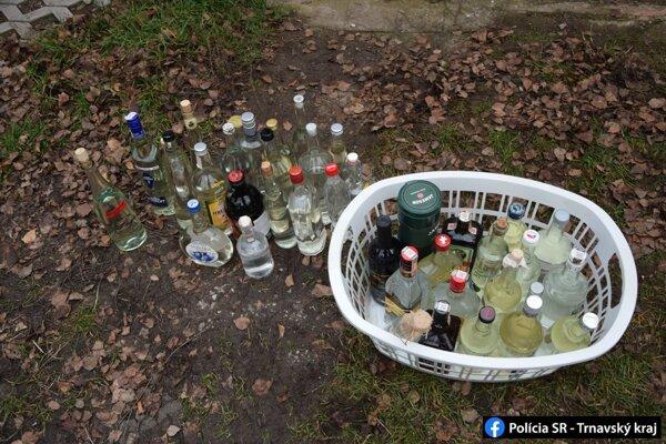 Zlodej bral všetko. Aj fľaše s alkoholom.
