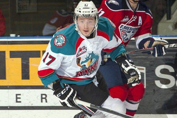 Marekovi Tvrdoňovi sa v drese Kelowny darí. Predtým v sezóne hral v AHL aj ECHL.