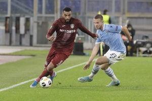 Denis Vavro (vpravo) v drese Lazio Rím.